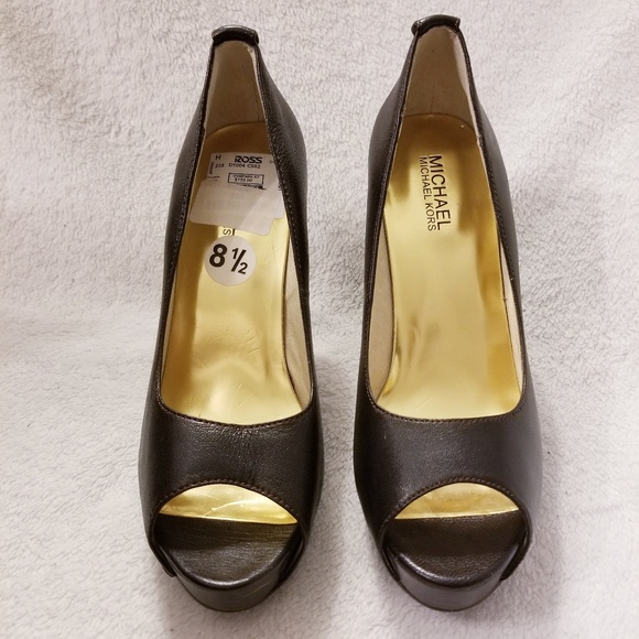 Michael Kors Shoes - Michael Kors heels size 8.5